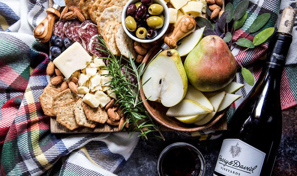 Friendsgiving Party Ideas Wine Pairing