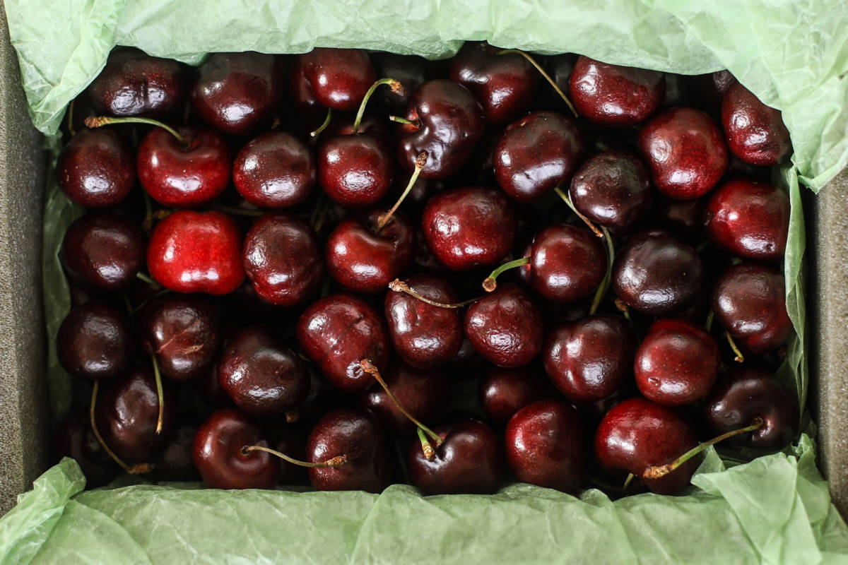 Harry & David Plump-Sweet Cherries